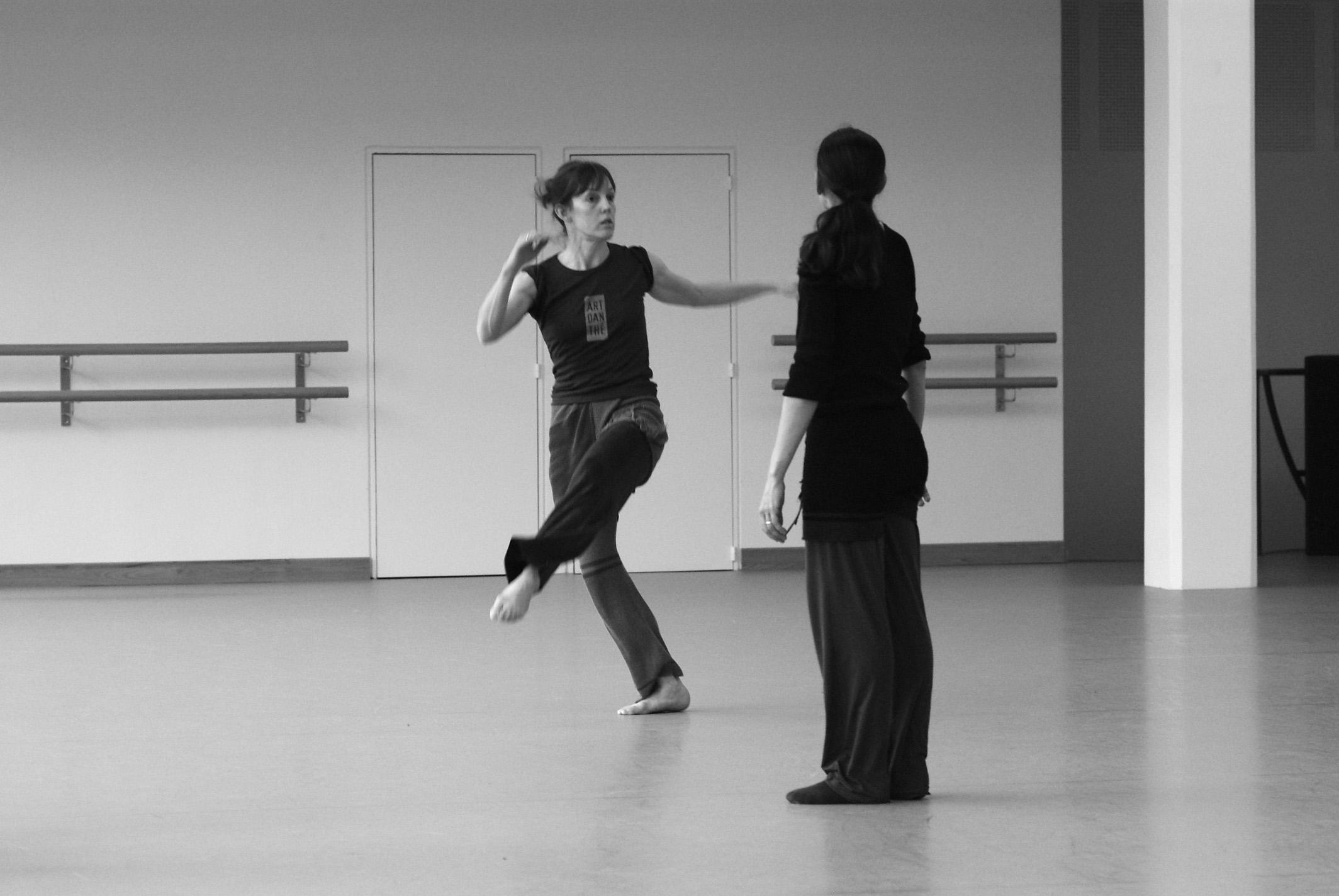 EN REPETITION - Lucy Nightingale & Yvette Regueiro - © tristan pfund.jpg